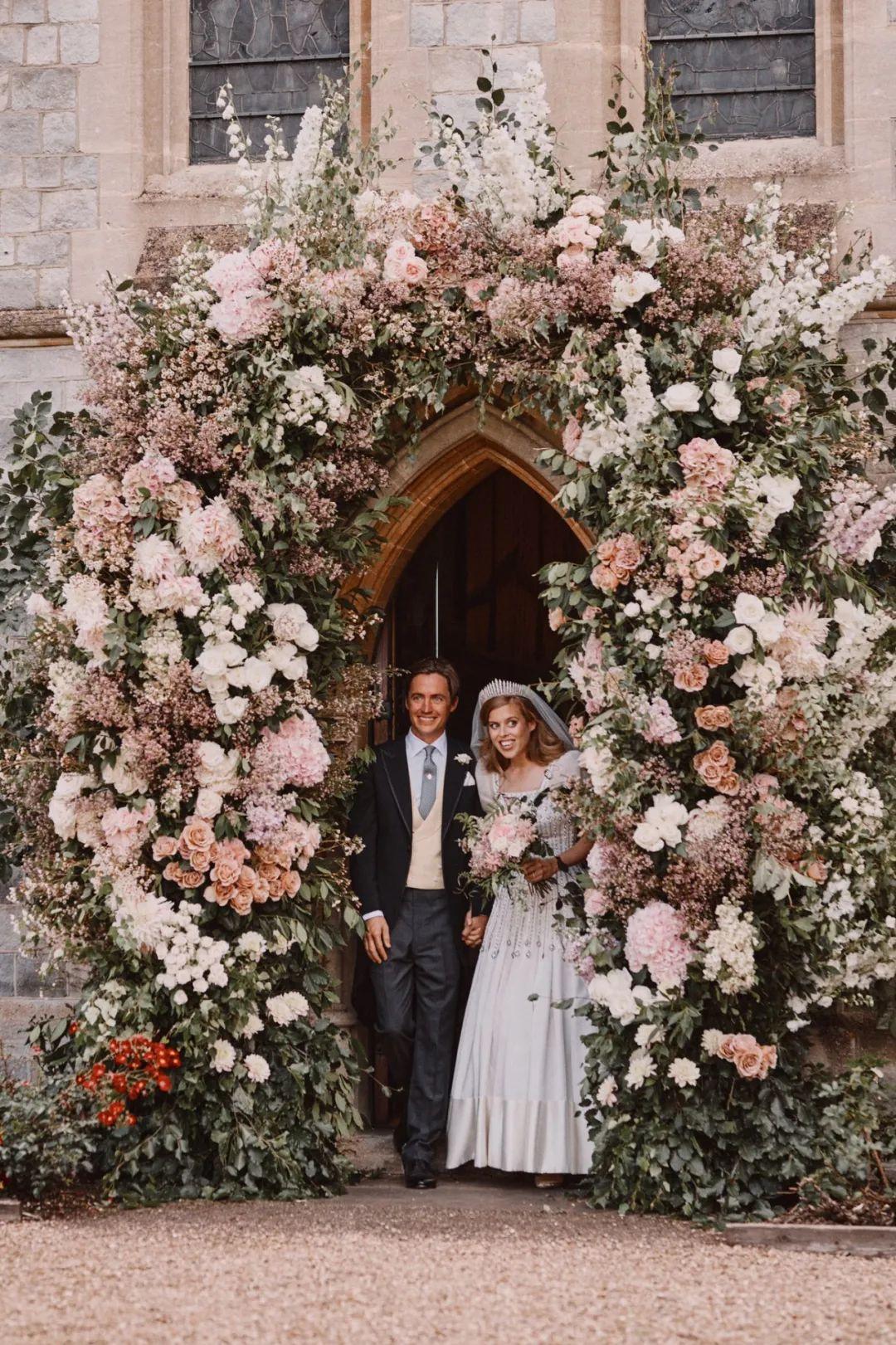 碧翠丝公主和莫齐。/图片来自英国王室官方推特