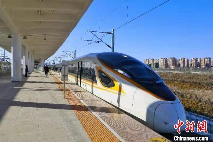 资料图:高铁列车 李隆 摄