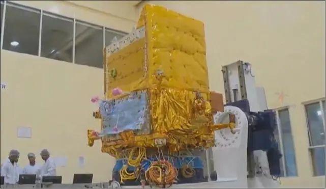 DRDO在地面调试EMISAT卫星