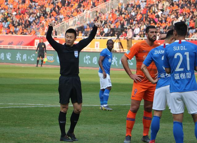 中超联赛焦点对决,广州德比,恒大对阵富力。赛前消息显示