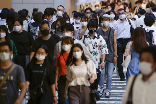 """日本最后一个""""零确诊县""""失守,全国单日新增确诊病例首破千,日本疫情反扑势头迅猛"""