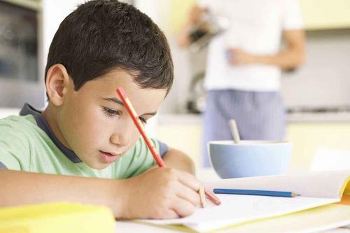 湖北状元高考成绩725分,父母分享育儿心得:从小就注意养成习惯