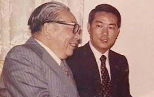 蒋经国与宋楚瑜(资料图)
