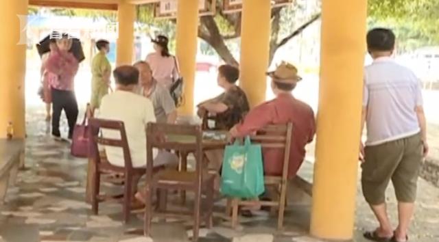 """安康汉滨区回应""""78岁老汉被接走住进妇产医院"""":启动调查"""