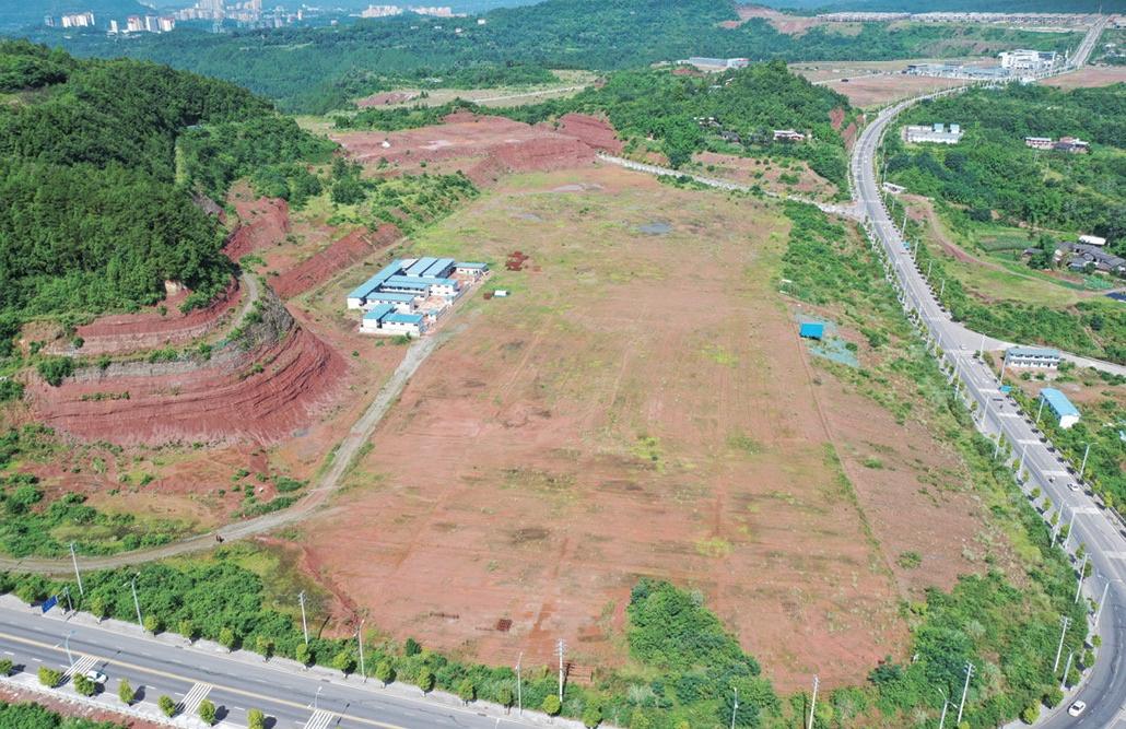 四川巴中数十亿产业项目多处停工烂尾 万亩土地撂荒