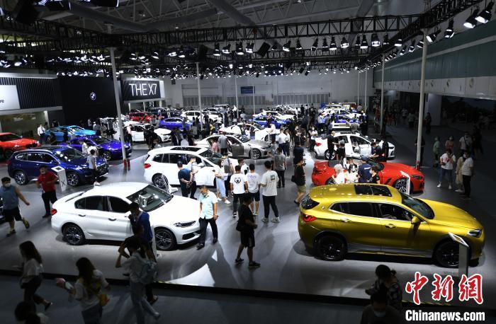 资料图:2020年长春车展参展车辆规模创新高。张瑶 摄