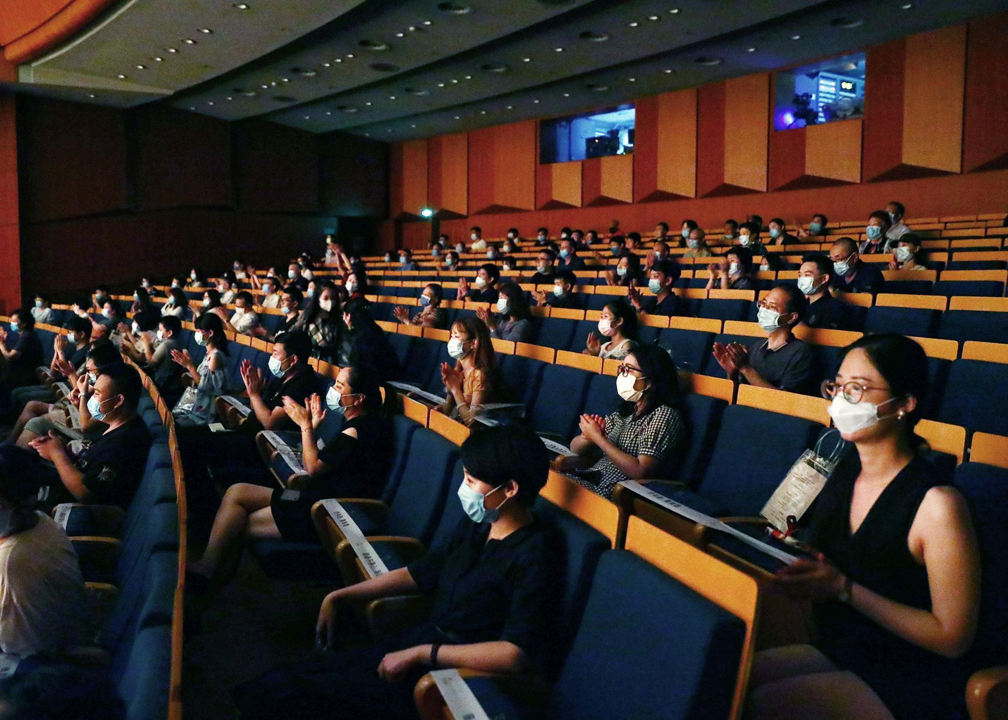 剧院上座率增至50% 已开票剧目将开通售出票换座
