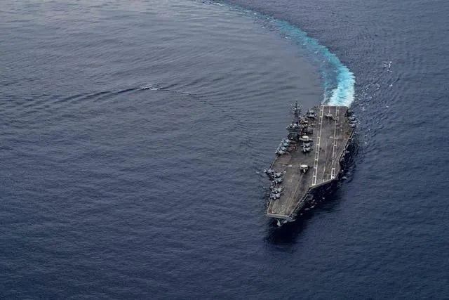 """解放军在台湾海峡演练""""瓮中捉鳖"""" 可从任何方向进攻插图(3)"""