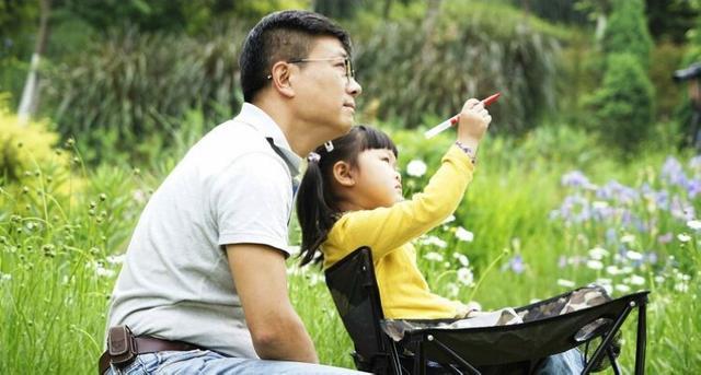 """如何做一个好父亲?著名主持人龙勇再摆""""龙门阵"""",分享育儿经"""