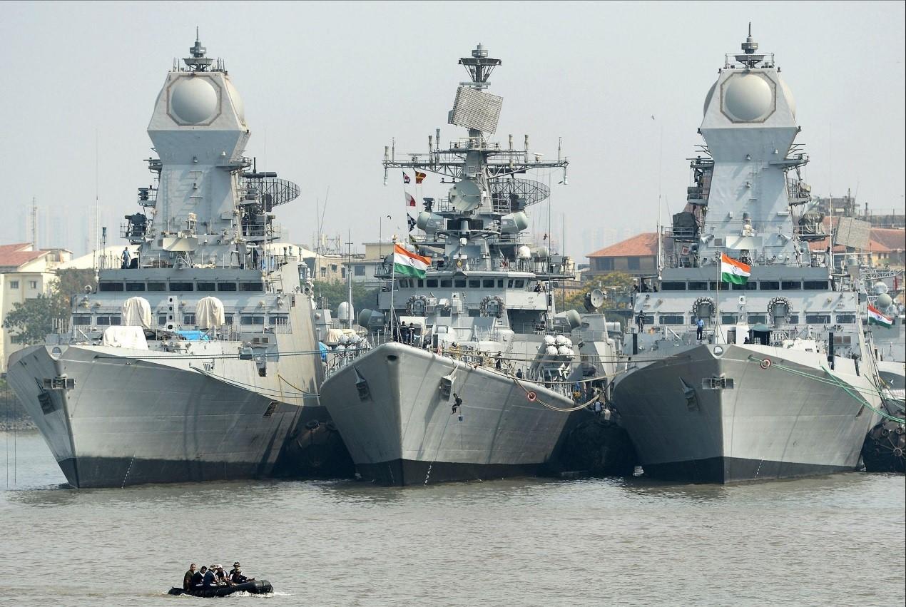 印度海军驱逐舰。
