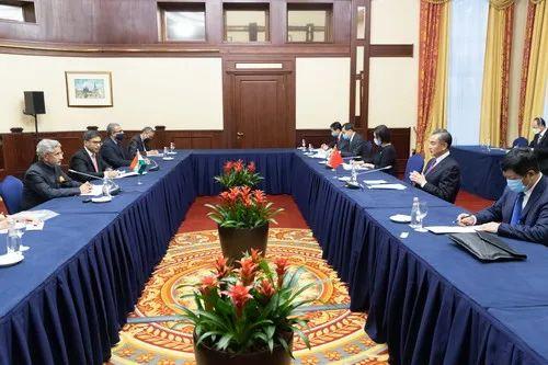 中印外长会晤现场(图源:外交部官网)