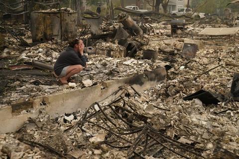 俄勒冈大火致修建物损坏(图:美联社)