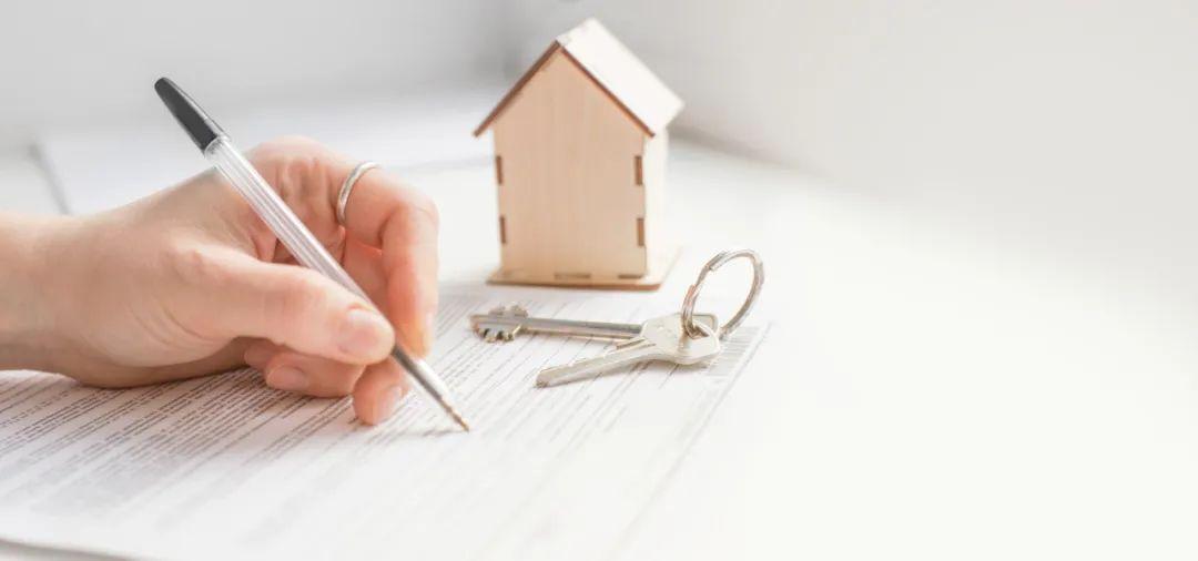 在租房屋被卖后租客向房东索要22万补偿?律师这样说