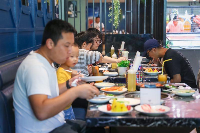 上海松江动迁安置房开工2.4 万余套,四年完成 342 万平方米旧城改造