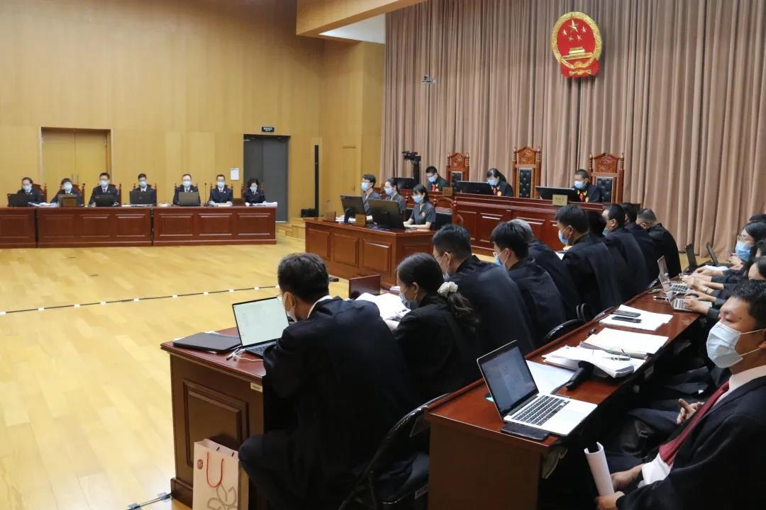黑老大出狱近百辆豪车迎接 天津31人涉黑组织受审