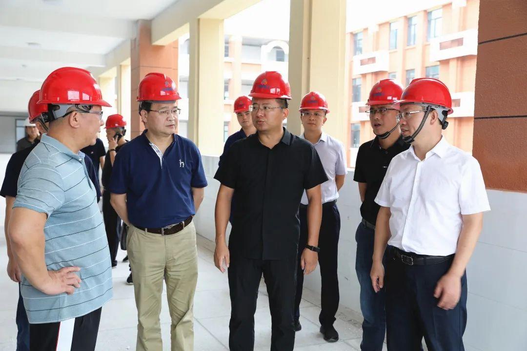 陈敏调度推进弋阳县第一中学和华东师范大学上饶实验中学校建工程建设工作!