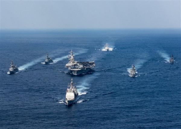 在美国海军战略里,舰载机火力是主力,尽管盾舰的导弹火力十分强大
