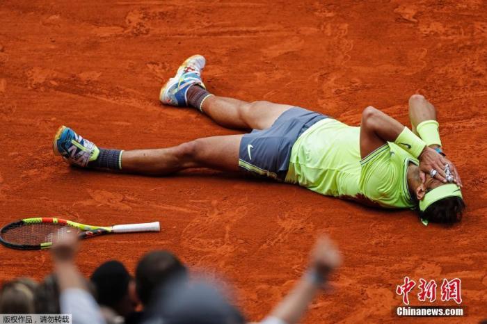 原料图:纳达尔在法网上12次夺冠