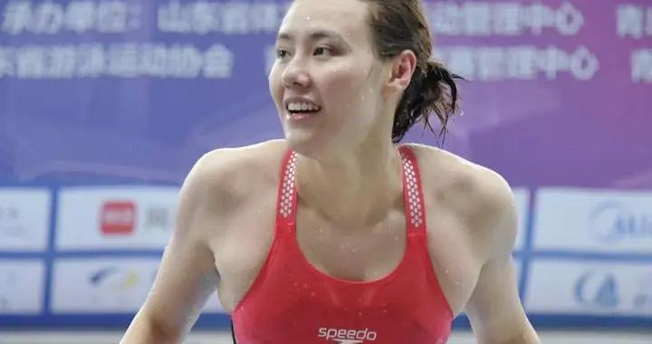 中国游泳蝶后破世锦赛纪录,美女刘湘惊险夺冠,争霸赛好戏不断