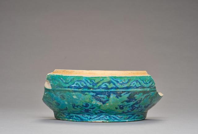 明代孔雀绿釉瓷器工艺特点,如何鉴别