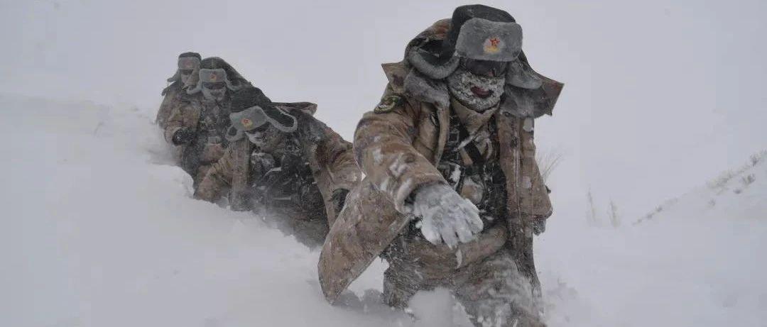 """阿拉山口天气_零下40℃,齐腰深的雪……致敬,边防线上""""移动的界碑 ..."""