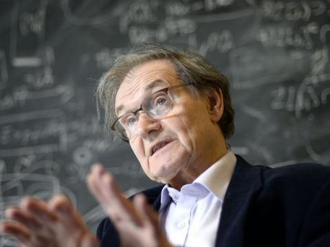诺奖得主彭罗斯:宇宙在循环并找到了证据