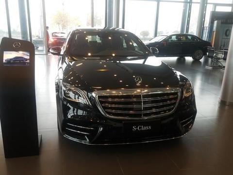 实拍奔弛S级,黑色车身很大气,或1月27日开售,配中央安全气囊