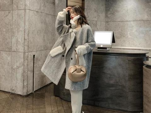 优雅时髦的气质范大衣,是秋冬季节的必备单品哦,时尚又保暖