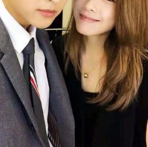 棒棒堂合体引回忆杀!香港知名女星男友遭网友催婚,被预告将是下个当爸爸