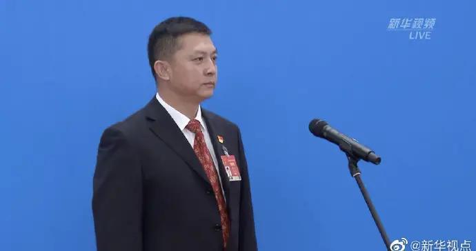杨震生代表:唐山大地震的幸存者们 用乐观向上的精神书写大爱奇迹