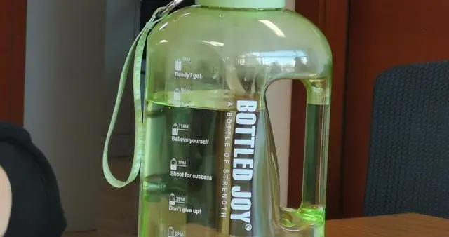医生提醒:饮水过量会水中毒