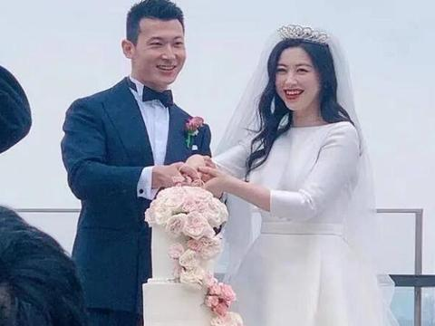 陈正飞痛哭为其证婚,老公身份并不简单