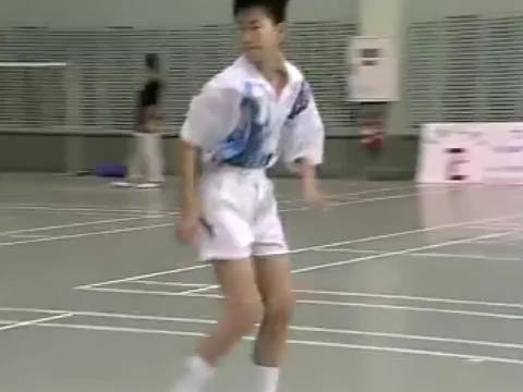 """学打羽毛球:练就""""快、狠、准"""",场地速度训练,肖杰教练指导!"""