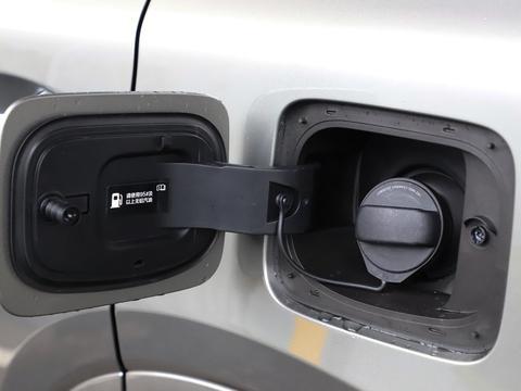 33万买SUV首选它,全系一个配置,满油能跑800km,空间比XT6大