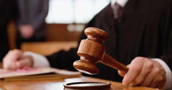 孩子被情人打死,女子谎称自己打的,法院发禁止令?