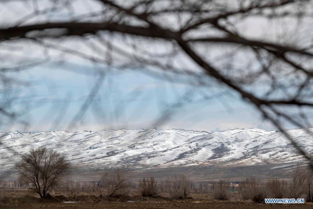 Photo shows the snow scenery of Tianshan Mountains in Shawan City, northwest China's Xinjiang Uygur Autonomous Region, March 30, 2021. (Xinhua/Hu Huhu)