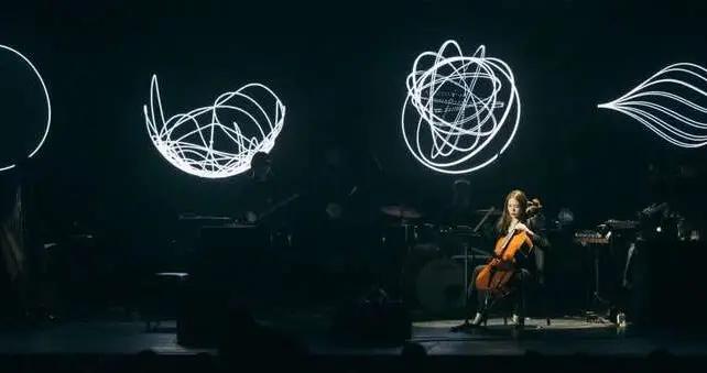 张梦:钉在噪音里的作曲家,投射出时间逆流的幻影