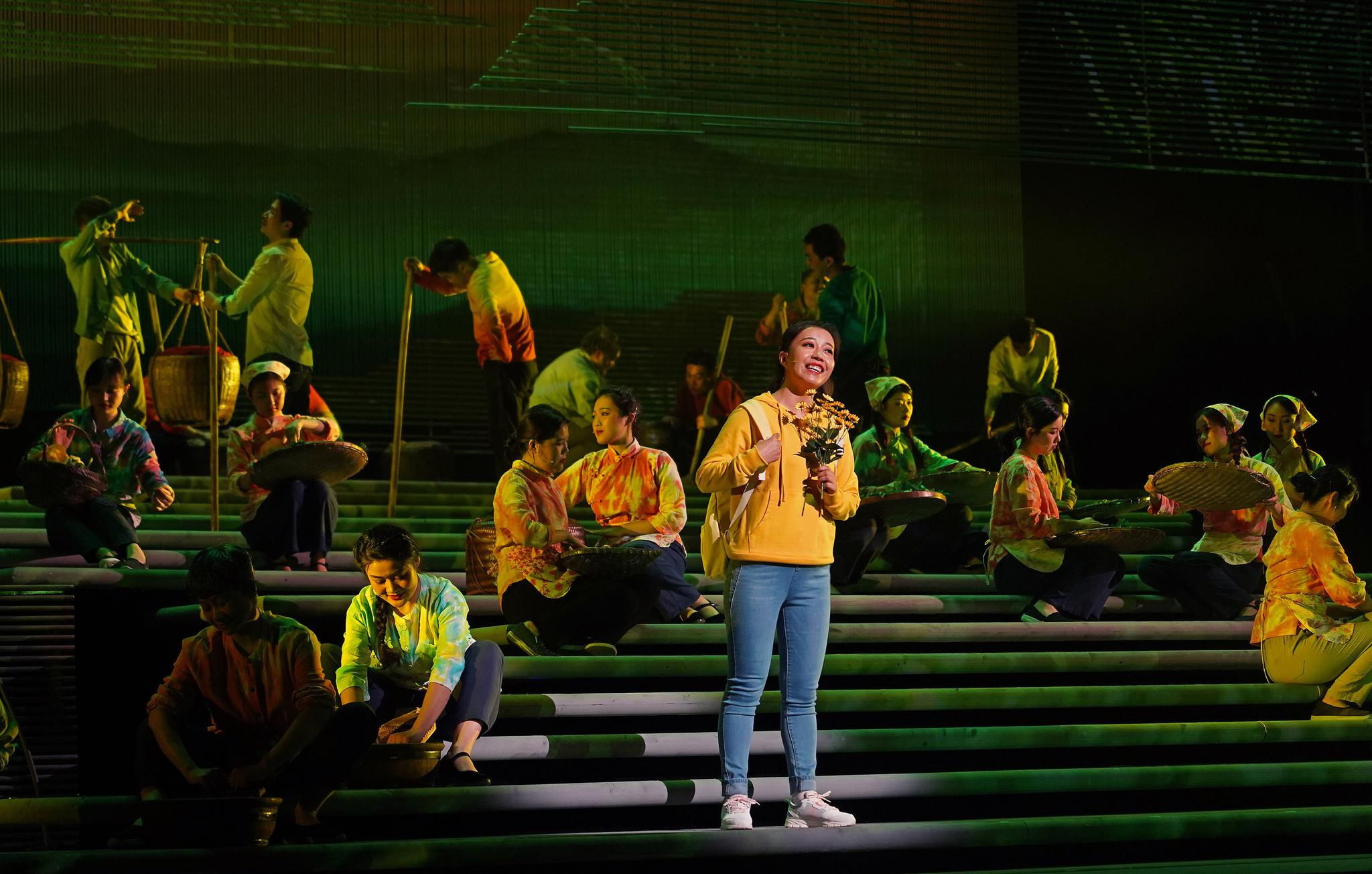 原创民族歌剧《山茶花开》在南昌演出