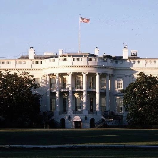 """白宫""""攒了个大局"""""""
