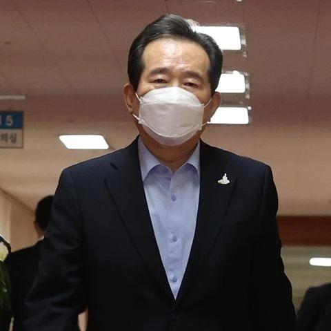"""""""我要去竞选总统"""",韩国总理向文在寅辞职"""
