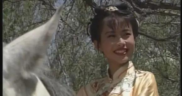 她是杨云骢的女儿,飞红巾的义女,吃了优昙仙花,成为天下第一
