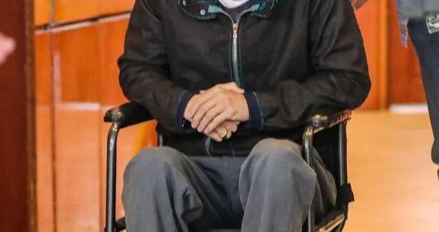 布拉德·皮特健康现状令人堪忧?官方消息说去看牙却被拍到坐轮椅
