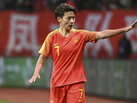 王霜:要在东京奥运会摧坚决胜 为中国女足加油!