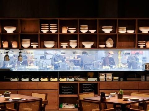 鲜湘碰撞,鲜香无比,这家万象城天台的湘菜馆,有啥不一样?