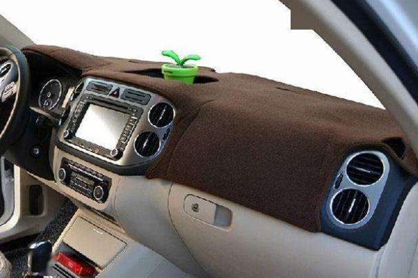 为何很多老司机都喜欢在车子里放毛巾?知道作用后,我也放了一条(图2)
