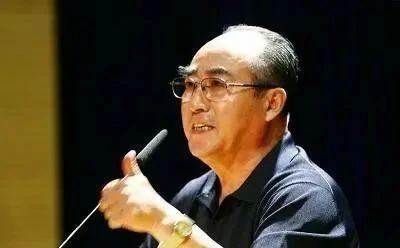 庄则栋,一位深得范曾书法精髓的乒坛巨匠,学范曾可以以假乱真