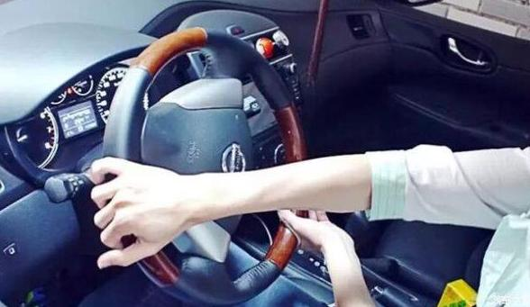 原地打方向会伤车,是真的吗?老司机:你怎么不抬着走(图4)