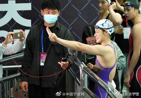 两次刷新世界青年游泳纪录 宁波小将余依婷正追赶偶像叶诗文