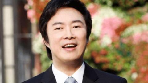 """费玉清:一个靠""""黄段子""""维生和爆红的歌手"""