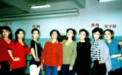 """两大女神竞戏《红高粱》,奈何顾长卫曰""""有味道"""",巩俐当演女主"""